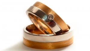 wedding-rings-1426580-m